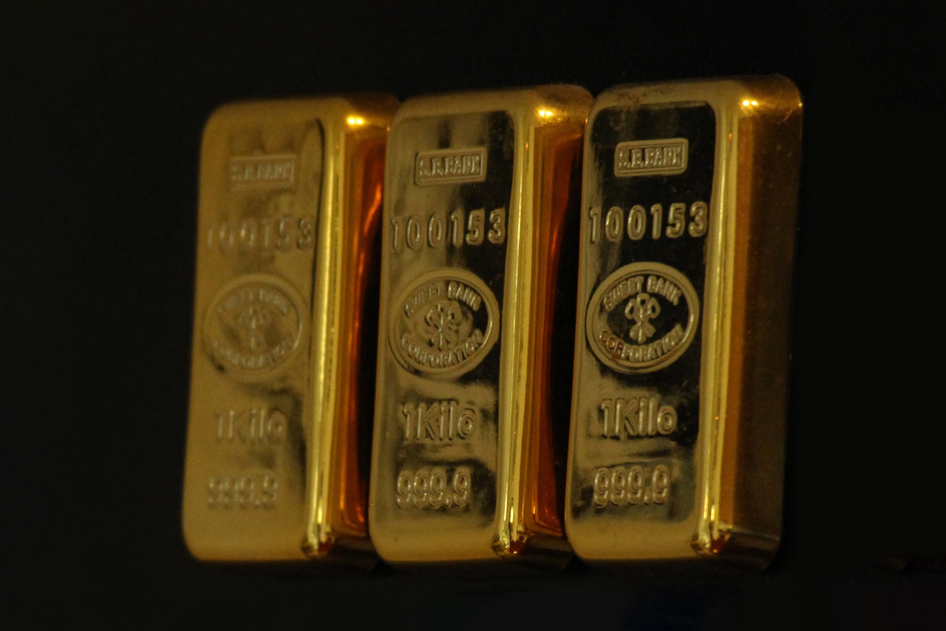 Gold stocks and gold ETFs and impact on the U.S. stock market