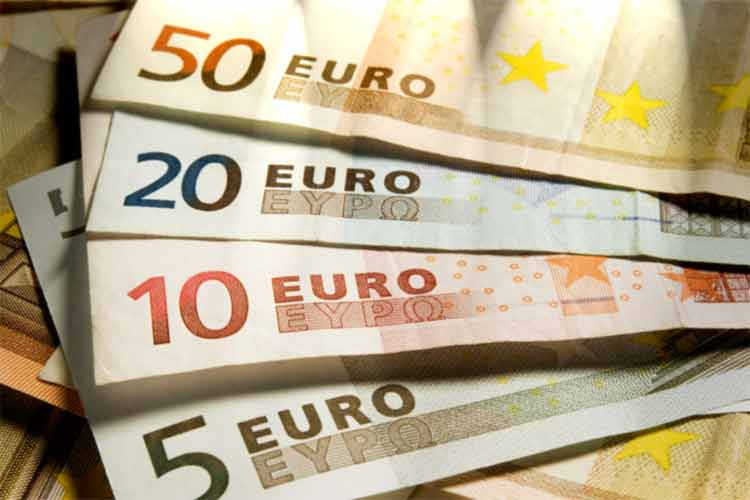 EUR value and the stock market