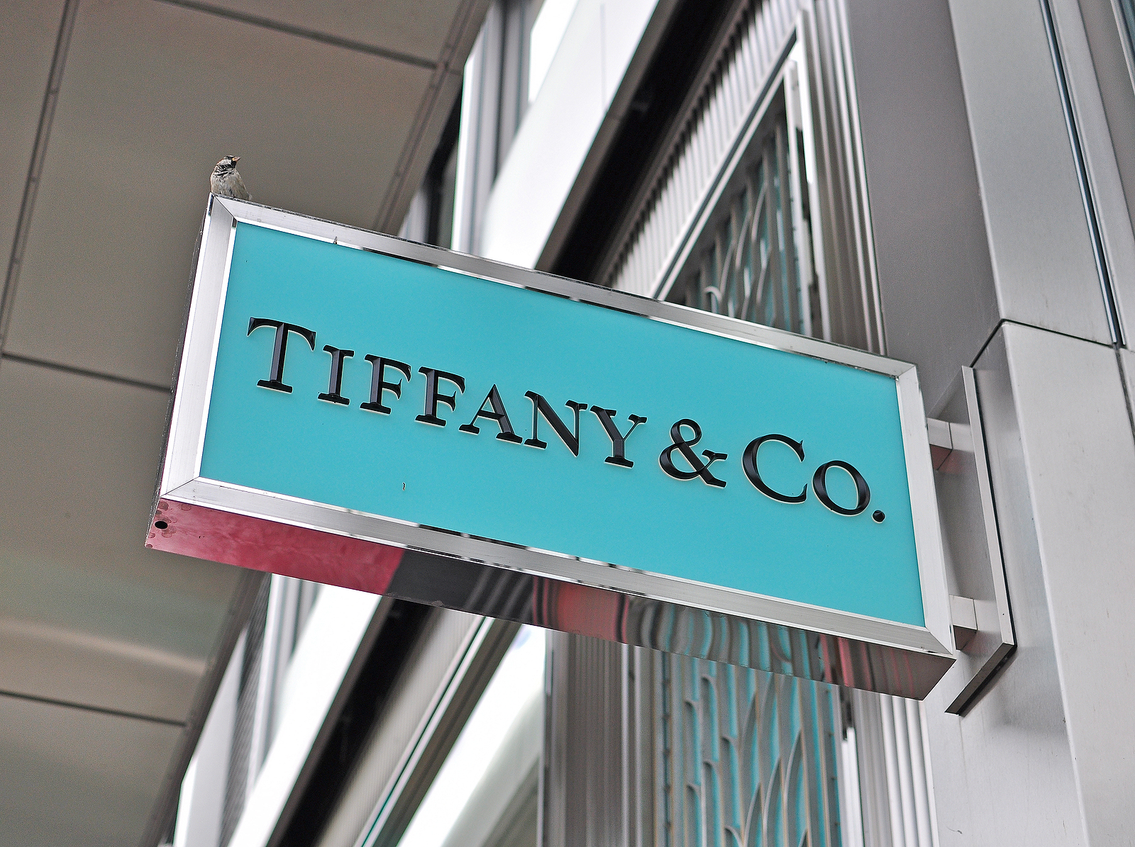Tiffany and Co (TIF) stock news and analysis