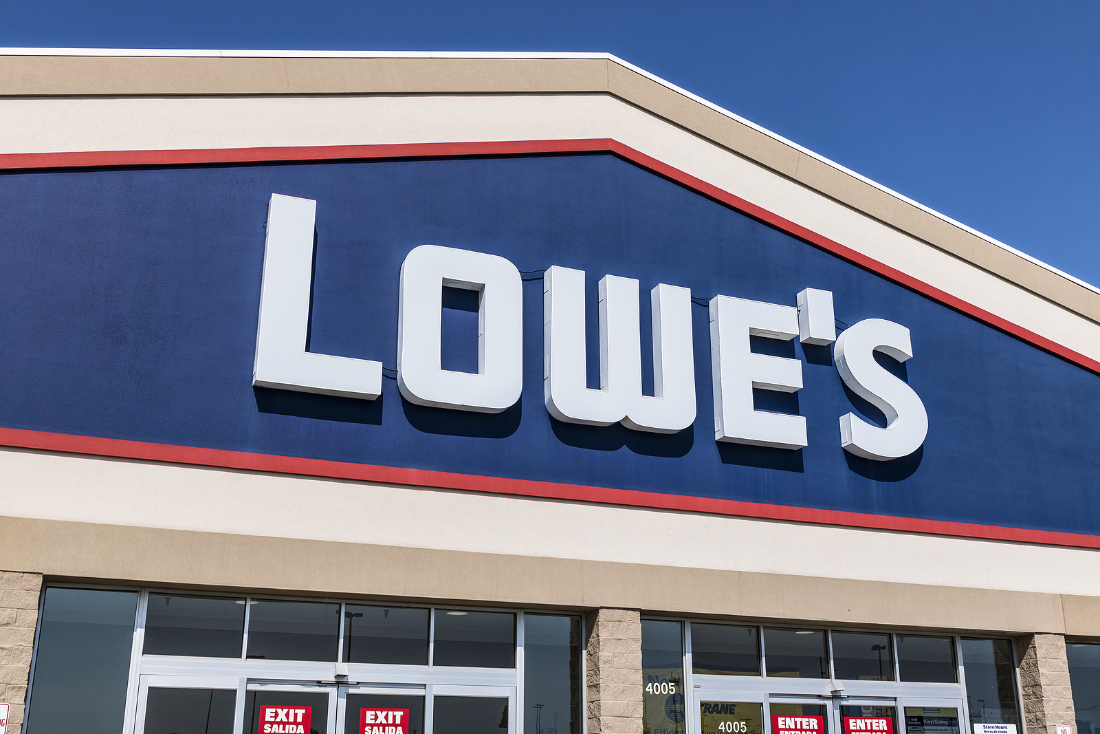 Lowe's LOW stock news and analysis