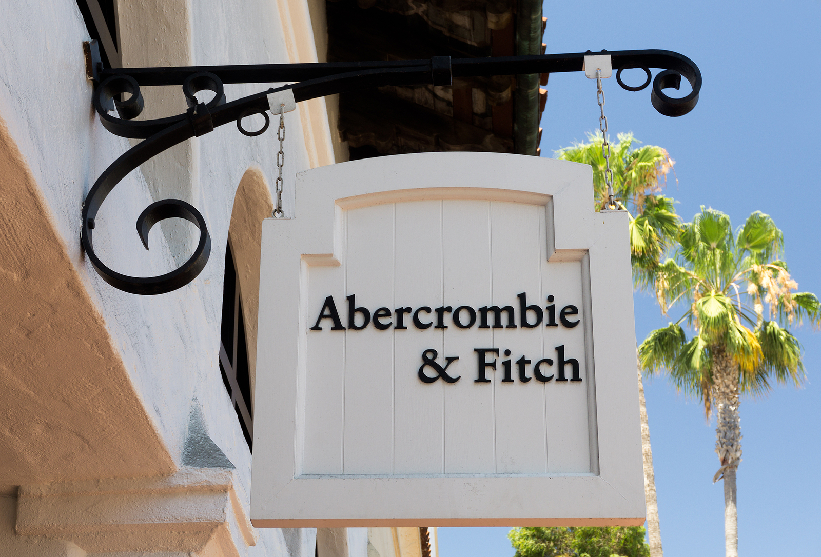 Abercrombie and Fitch ANF stock news and analysis