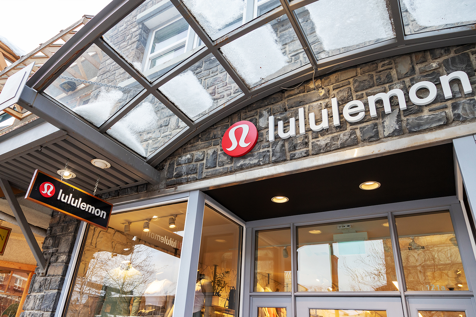 Lululemon LULU stock news and analysis