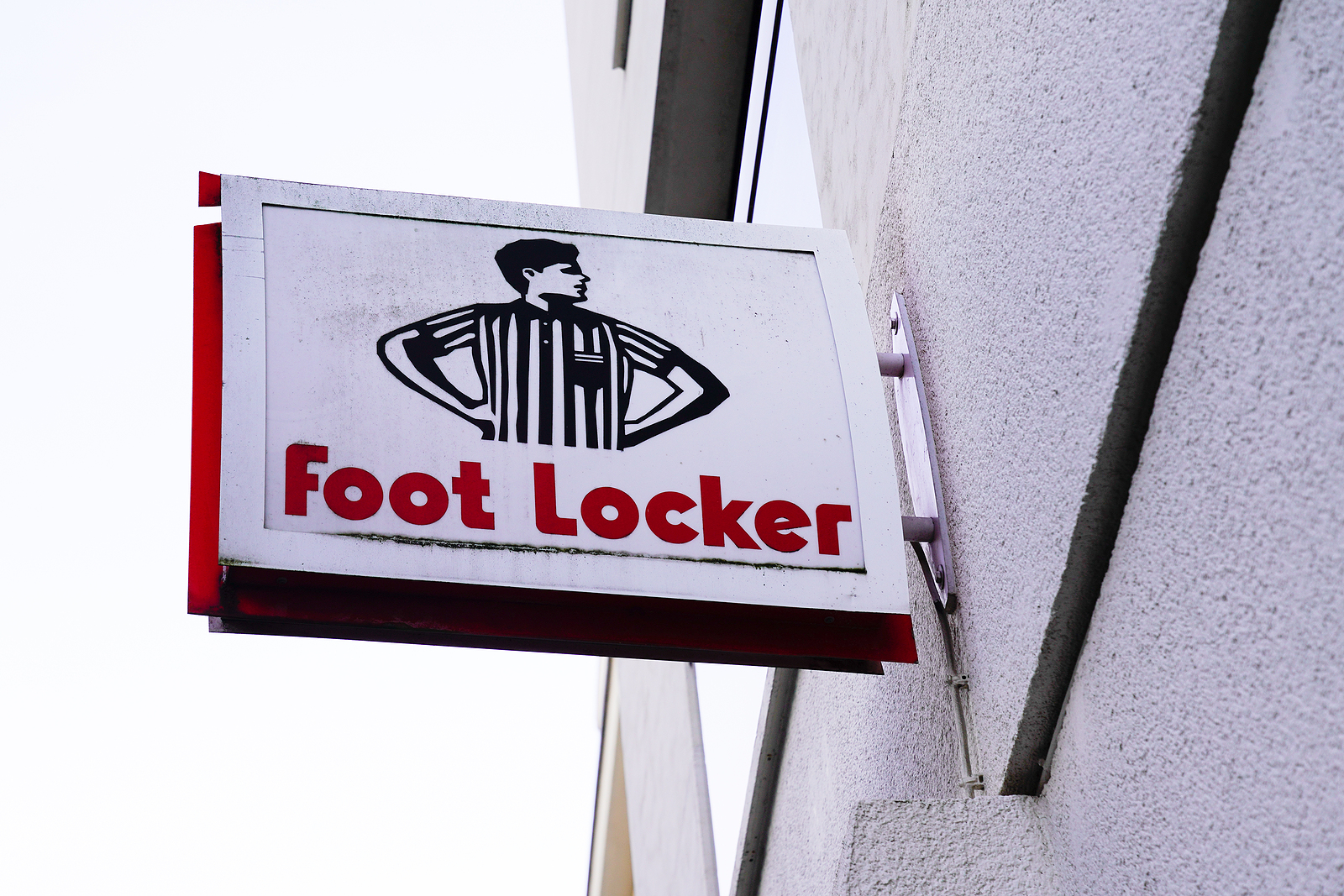 Foot Locker FL stock news and analysis