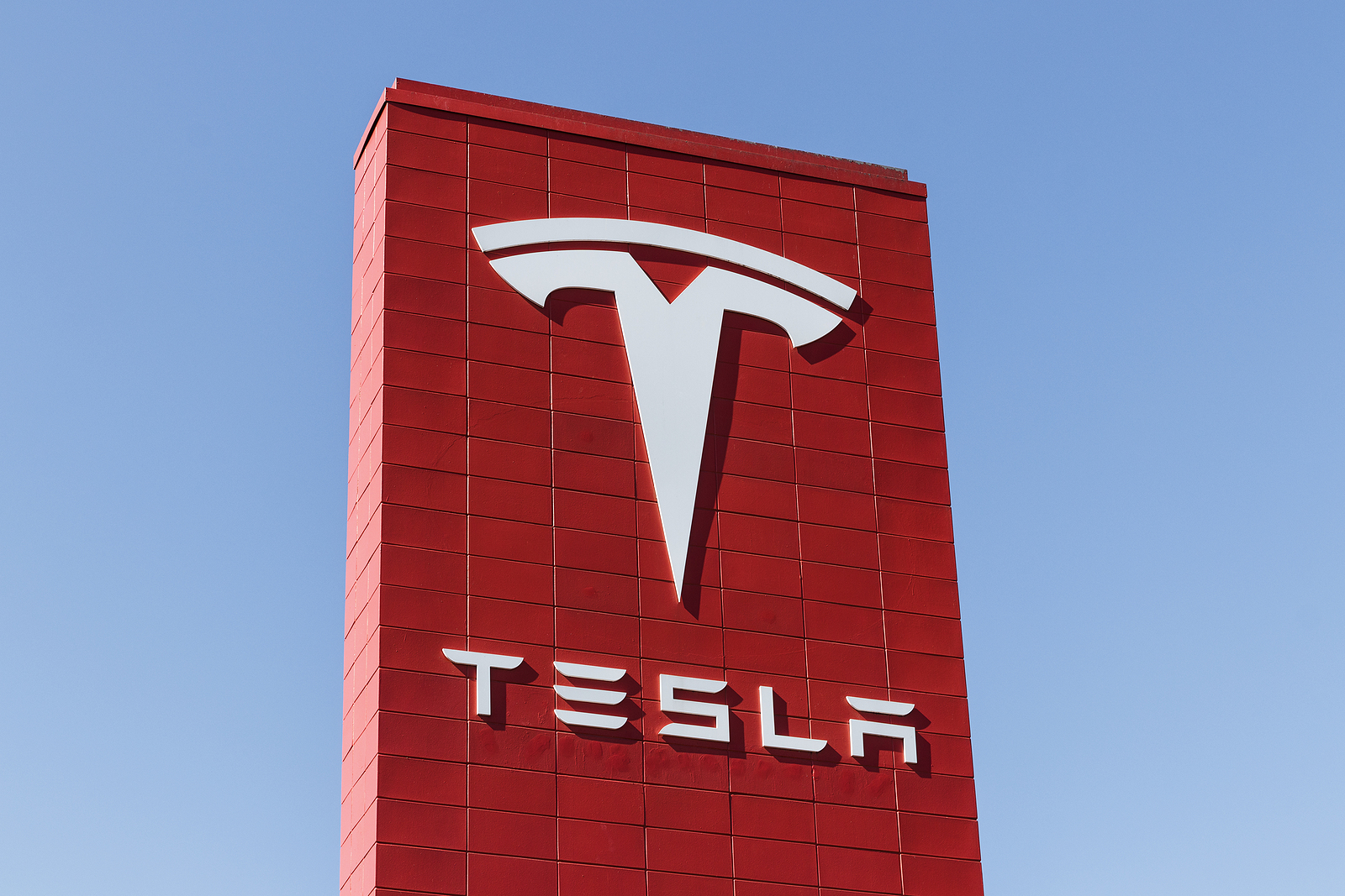 Tesla TSLA stock news and analysis