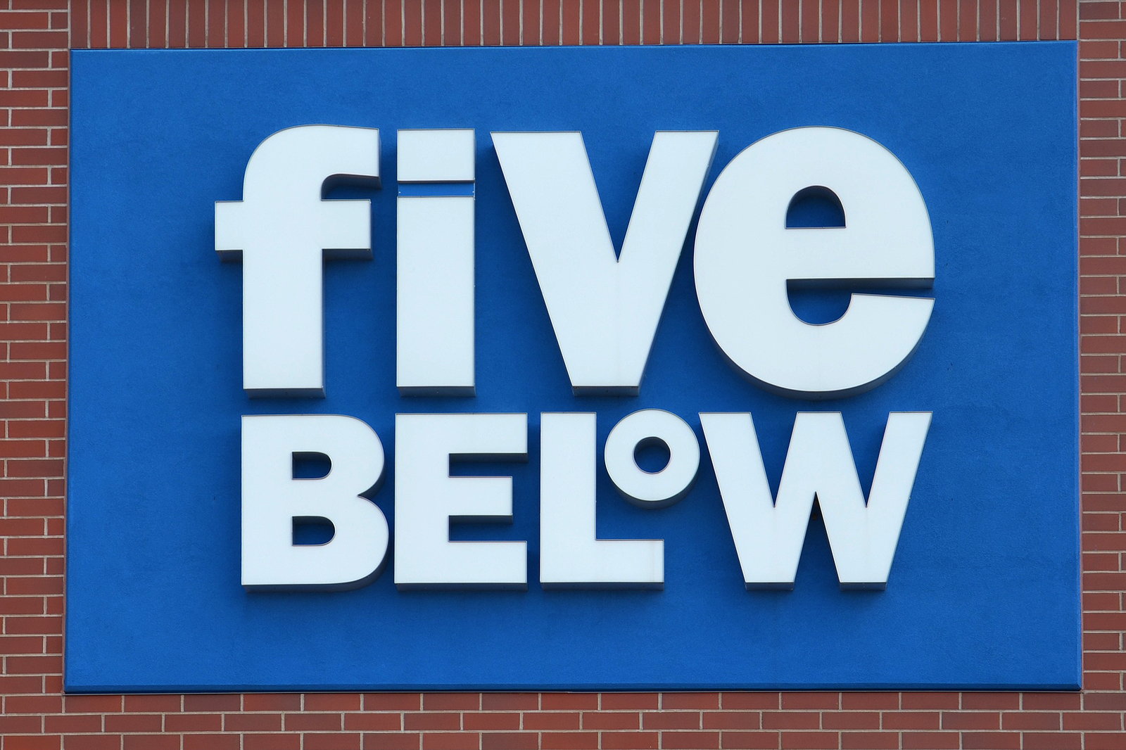 Five Below FIVE stock news and analysis