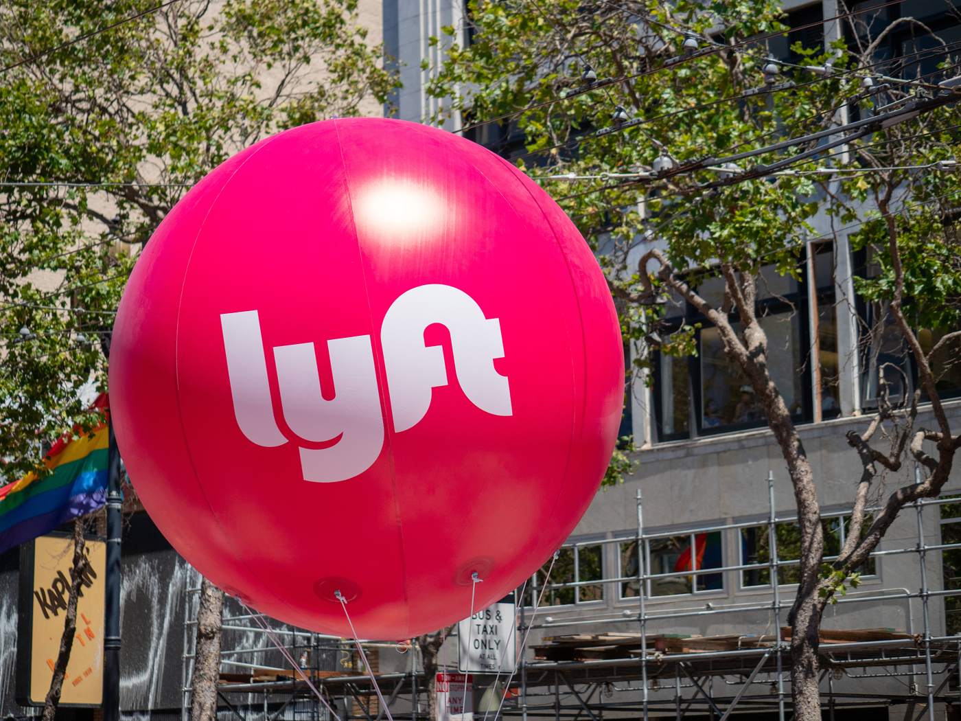 Lyft Inc LYFT stock news and analysis