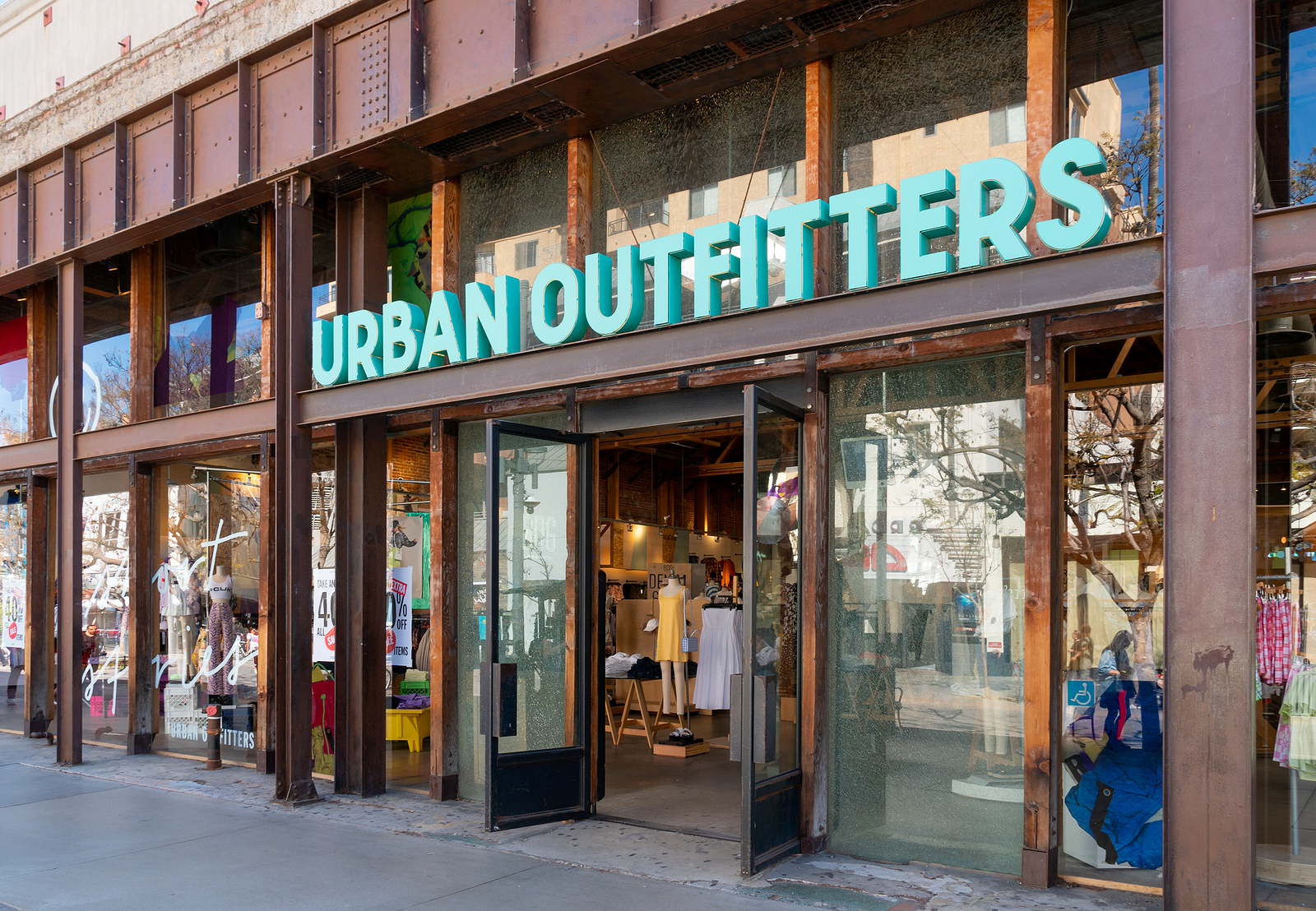 Urban Outfitters URBN stock news and analysis