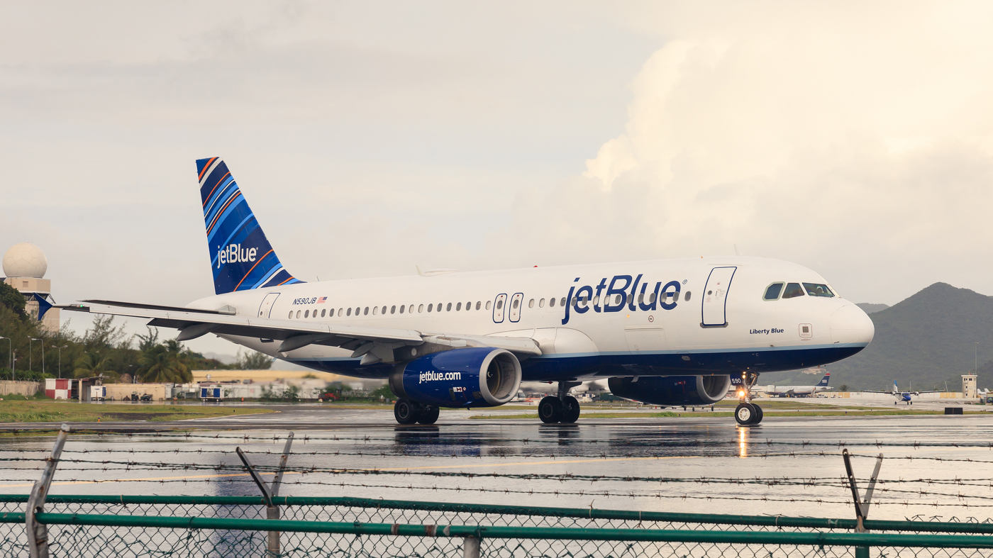 JetBlue Airways JBLU stock news and analysis