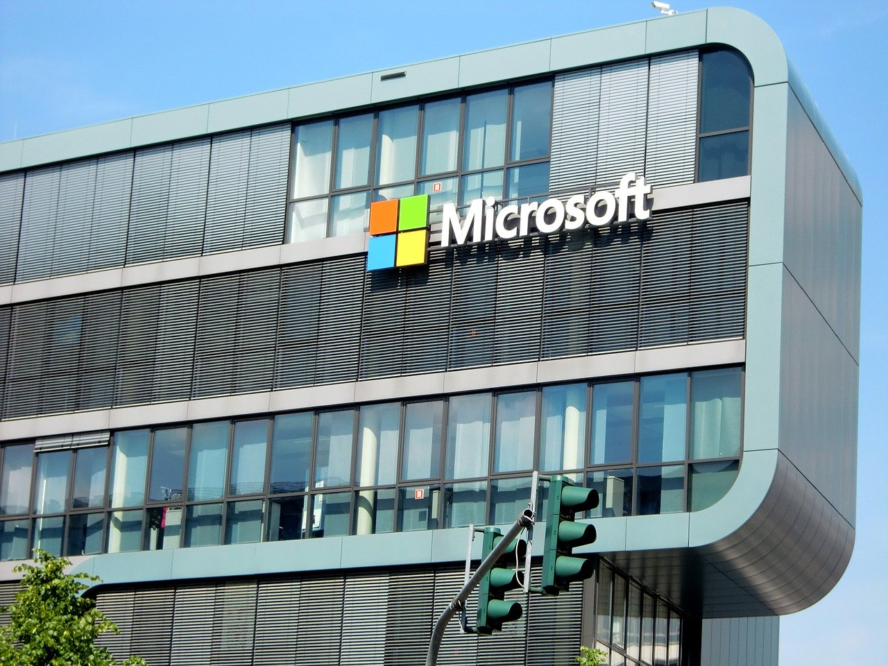 MICROSOFT 微软 stock news and analysis
